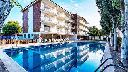 apartamento-sitges-con-piscina.jpg