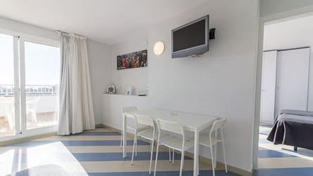 apartamentos-superior-sitges-salon.jpg